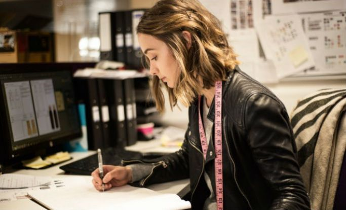 Interview With A Junior Fashion Designer Junior Fashion Designer Jobs